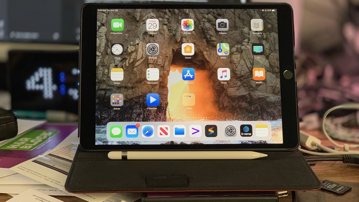 iPad Air 2019 on my messy-ass desk